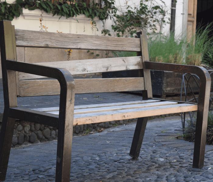 renowacja mebli ogrodowych