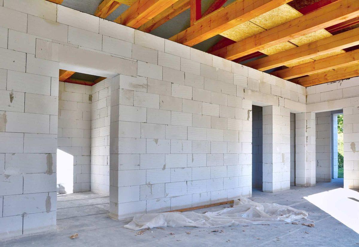 ściana z betonu komórkowego