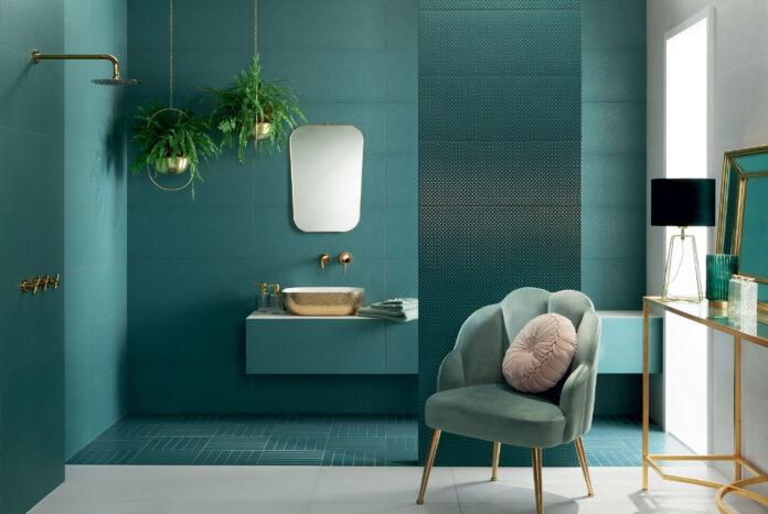 Kolorowa łazienka – jak zaprojektować wnętrze w kolorach błękitu?